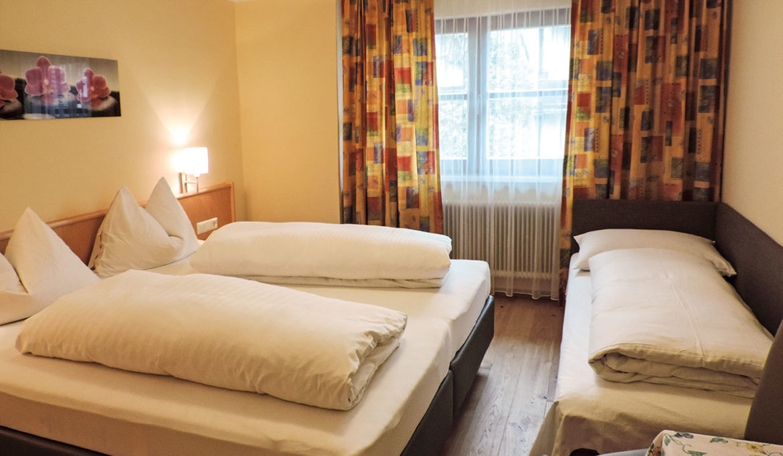 Gemütliche Dreibettzimmer in Radstadt - Gasthof Löcker