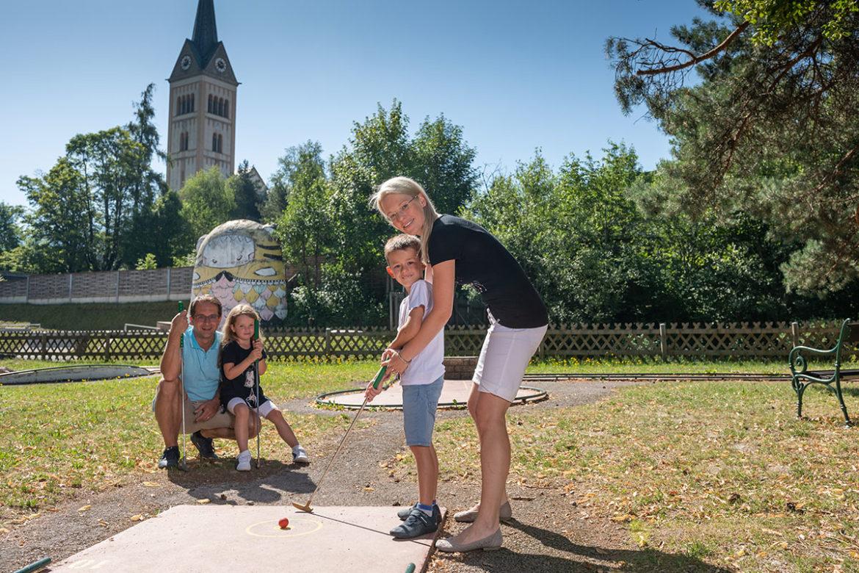 Minigolf spielen - Sommerurlaub in Radstadt, Salzburg