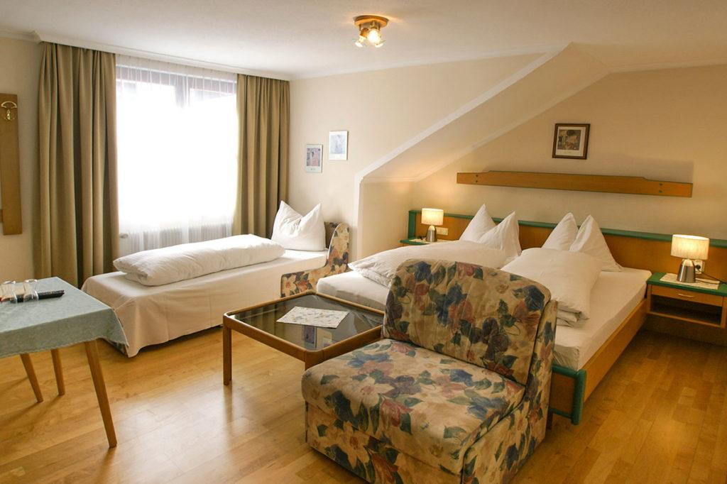 Gemütliche Dreibettzimmer in Radstadt - Unterkünfte im Gasthof Löcker